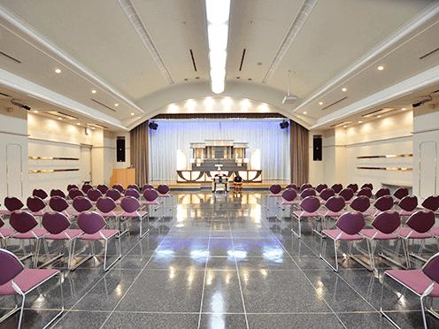 泉屋 高井田メモリアルホール4階大ホール