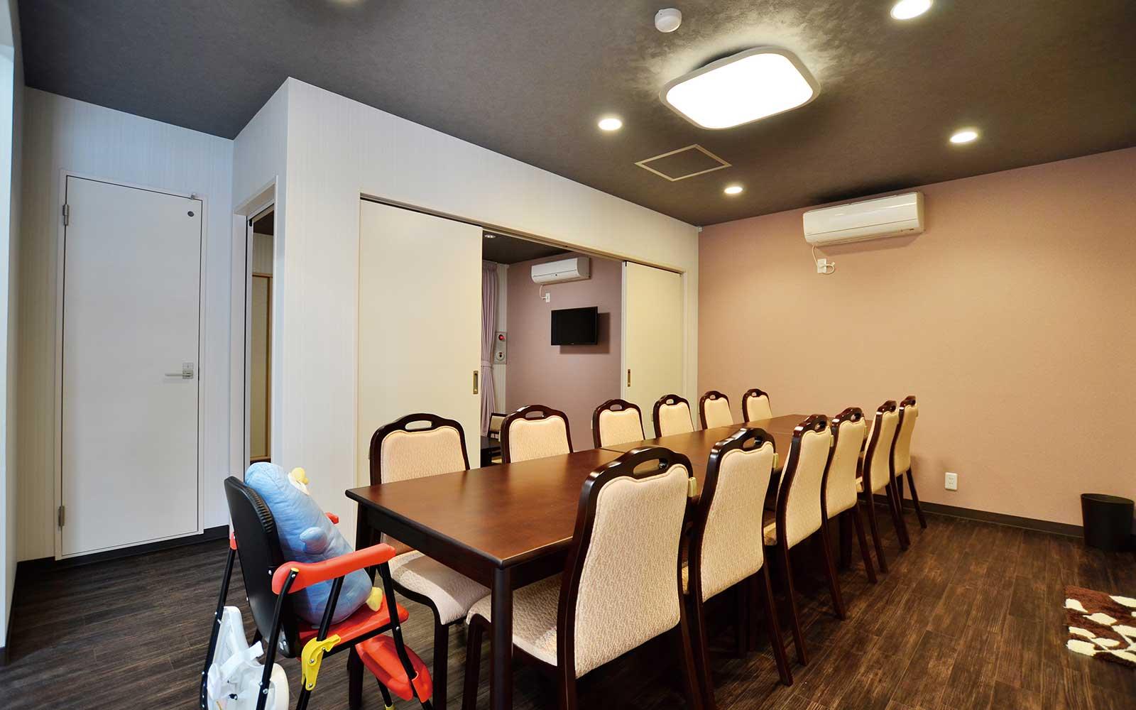 食事室-13