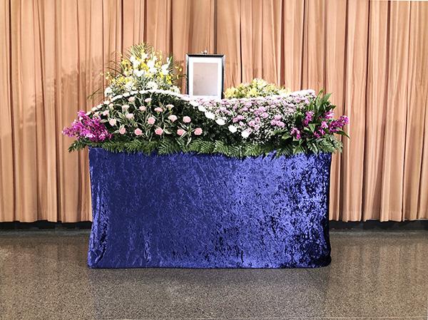 【一日葬・家族葬向け】公営斎場生花祭壇 32プラン