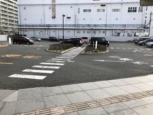 大阪市立 鶴見斎場【公営斎場】駐車場